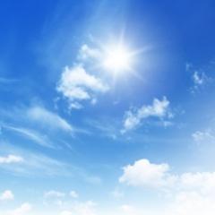 Wolken aan een helder blauwe lucht.ashx